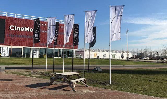 St Raum vlaggen en vlaggenmasten